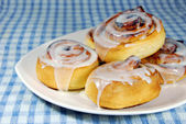 Cinnamon rolls on Plate — Stock Photo