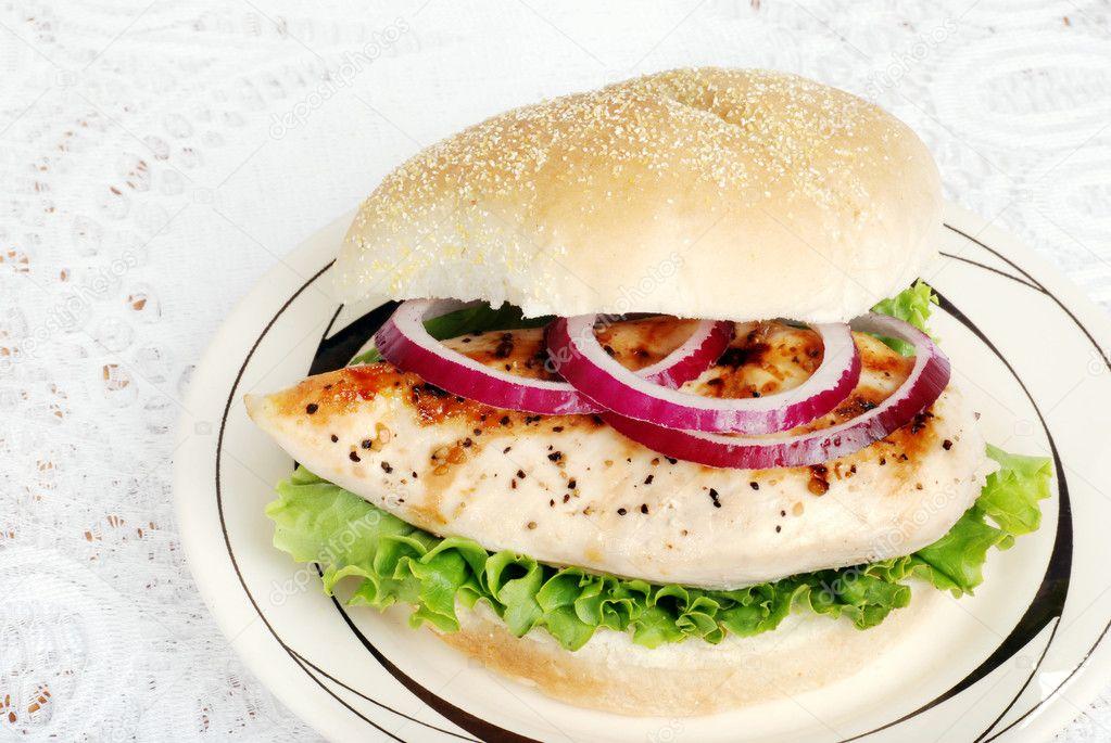 Izgara Tavuk Sandviç Izgara Tavuk Sandviç