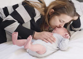 Mother with newborn baby — Stockfoto