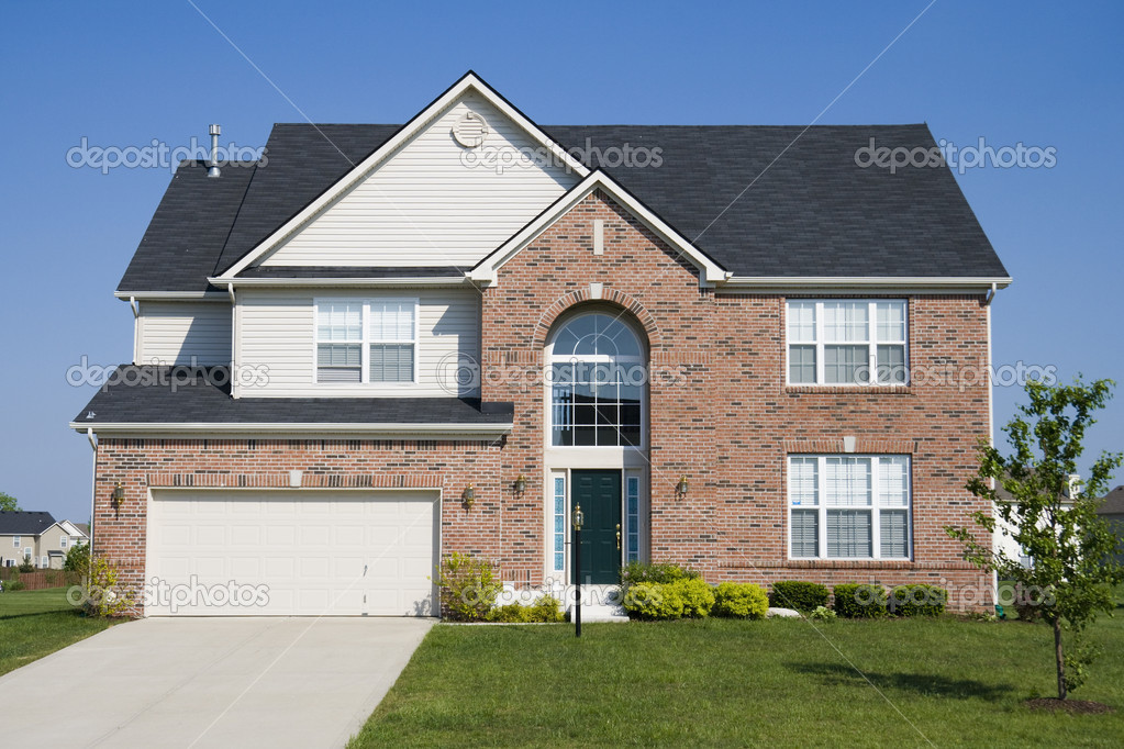 Typical suburban single family house in Midwest — Stock Photo #3261889