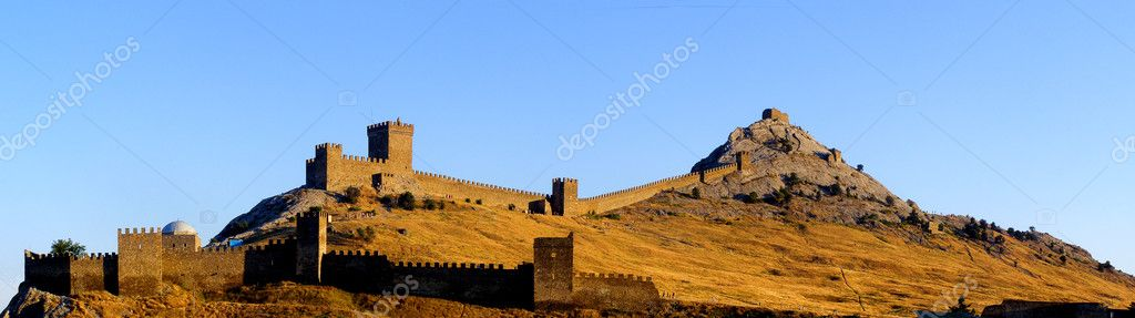 Ruins of The Genoa Fortress in Sudak, Crimea  — Stock Photo #2832327