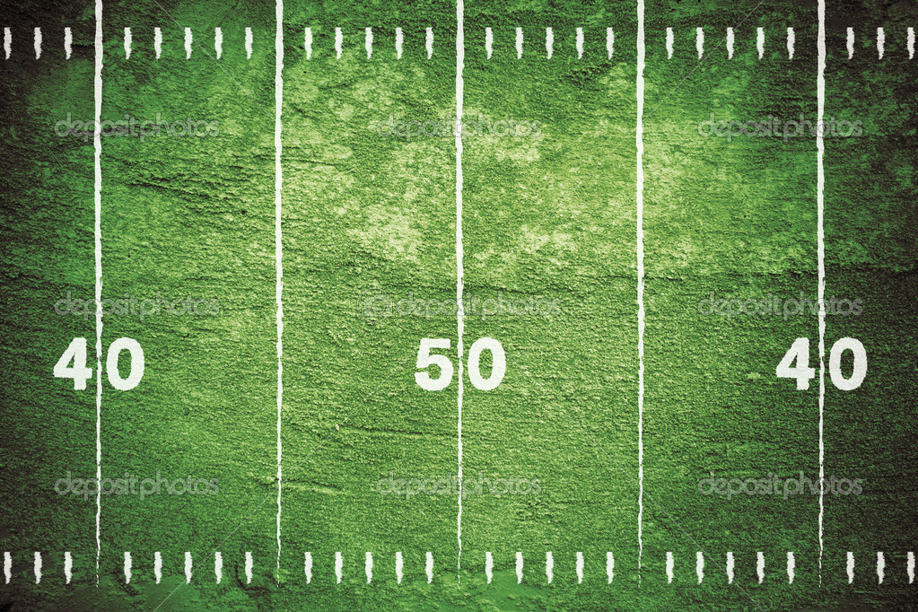 Close up of yard markers on football field with chalk drawn lines. — Lizenzfreies Foto #3679021
