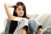 Dziewczyna studiuje — Zdjęcie stockowe