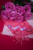 Flores e carta — Foto Stock