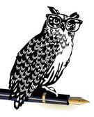 Owl, classical writer — Stock Vector