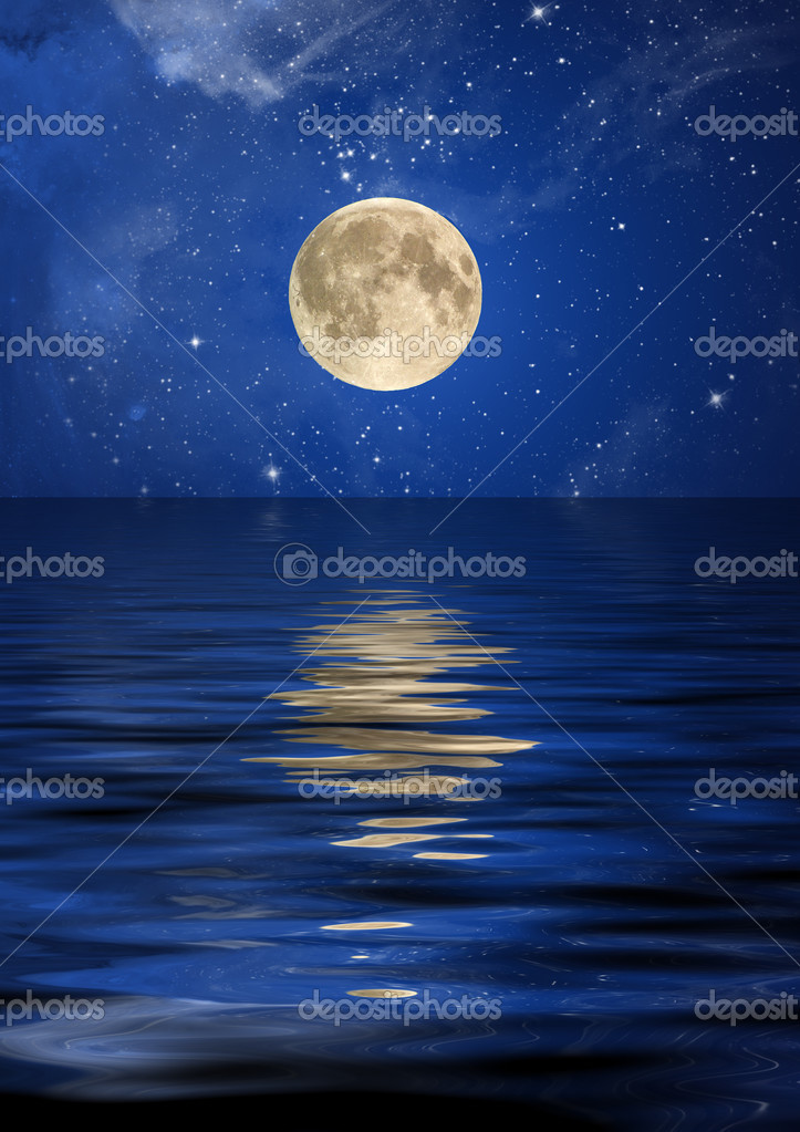 Reflection of the moon and stars at ocean. — Stock Photo #3010650