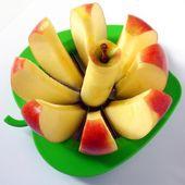 Cut apple — Stock Photo