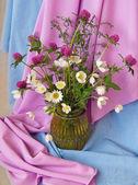 Ramo de flores silvestres — Foto de Stock