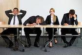 Företag som sitter i office — Stockfoto
