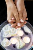 Zbliżenie: kobieta odbiera ciepło terapii na strony — Zdjęcie stockowe