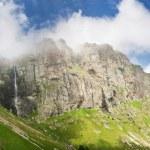 High mountain waterfall Raiskoto praskalo — Stock Photo