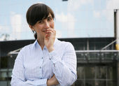 The thoughtful business woman — Stock Photo