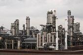 Una fábrica petroquímica — Foto de Stock