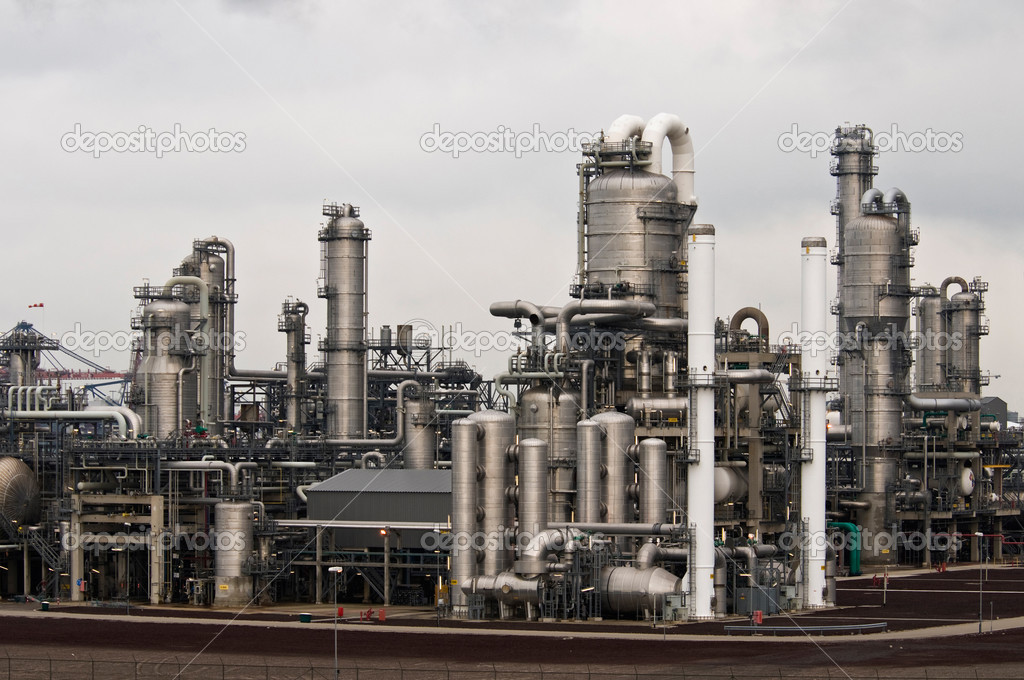 A petrochemical factory in the harbour of rotterdam — Stock Photo #2702496