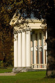 Beyaz villa — Stok fotoğraf
