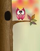 Söt uggla på ett träd i höst — Stockvektor