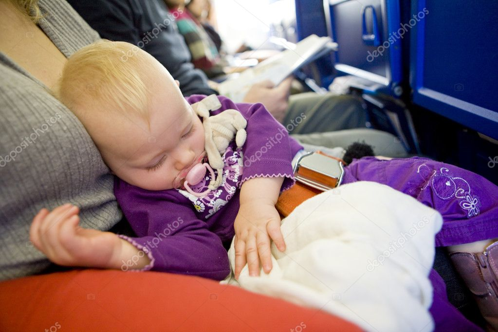 Toddler girl sleeping on plane — Stock Photo #2843011