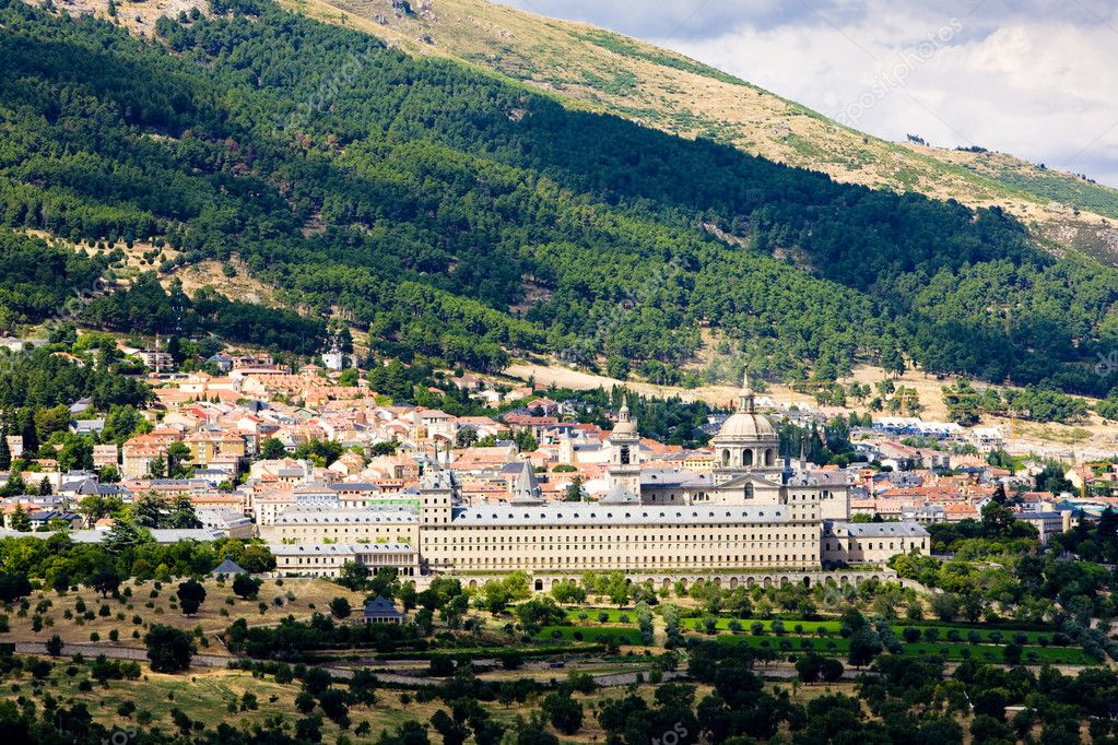 San Lorenzo del Escorial, Spain — Stock Photo #2894531