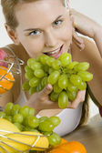 Woman with fruit — Stock Photo