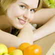 Woman with fruit — Stock Photo #3314442