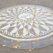 Memorial to John Lennon, Central Park, New York City, USA — Stock Photo