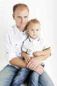 Отец с сыном мало — Стоковое фото