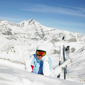 Woman skier, Alps Mountains, Savoie, France — Стоковое фото
