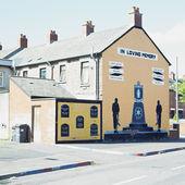 Political mural painting, Belfast, Northern Ireland — Stock Photo