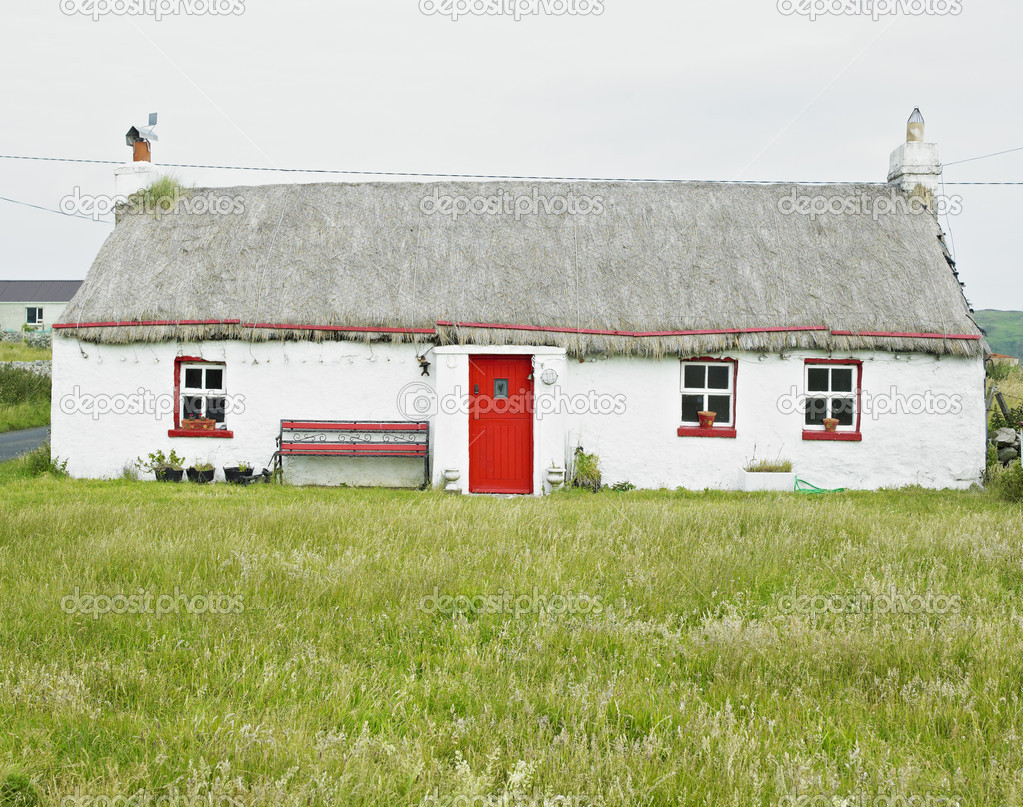 Cottage, Malin Head, County Donegal, Ireland — Stock Photo #4296717
