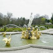 Palace garden, Paleis Het Loo Castle near Apeldoorn, Netherlands — Stock Photo