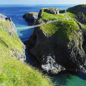 Carrick-a-rede rope bridge, county antrim, nordirland — Stockfoto