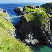 Carrick-a-rede rope bridge, hrabstwo antrim, irlandia północna — Zdjęcie stockowe