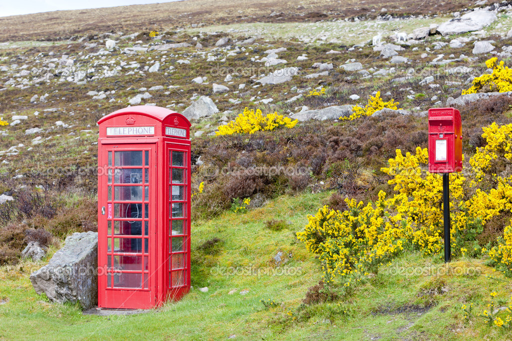 Telephone booth and letter box near Laid, Scotland — Stock Photo #4797960
