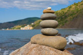 Balanced stones on the sea — Fotografia Stock