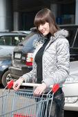 Bella ragazza pronta per lo shopping — Foto Stock