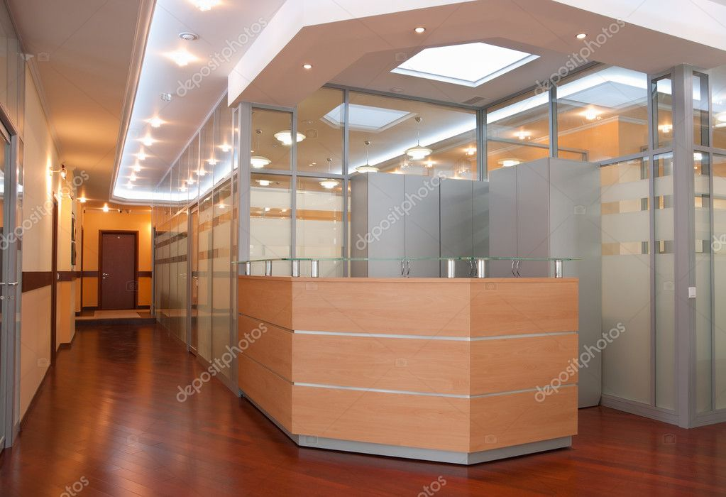 Modern office interior - reception and perspective of corridor — Stock Photo #3200902