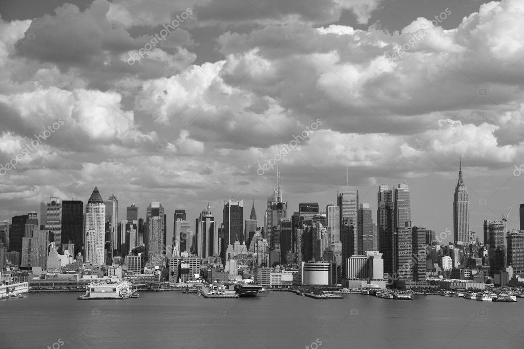 New York City Skyline - Black