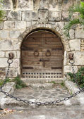 średniowieczne drzwi — Zdjęcie stockowe