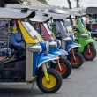 tuk tuks in bangkok — Stockfoto