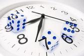 Relógio e dados — Foto Stock