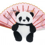 juguete panda y abanico de papel chino — Foto de Stock   #3250681