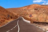 Mountain road Fuerteventura. — Stock Photo