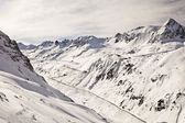 冬の山岳道路. — ストック写真