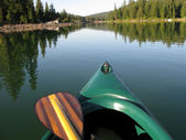 Canoe and Paddle — Stock Photo