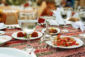 Tabel voor het diner — Stockfoto