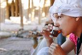 Ragazza, bere tè orientare — Foto Stock