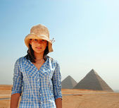 Teenage girl tourist in Egypt — Stockfoto