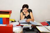 Femme qui travaille — Photo