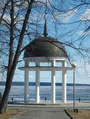 Rotunda on coast of lake — Stock Photo