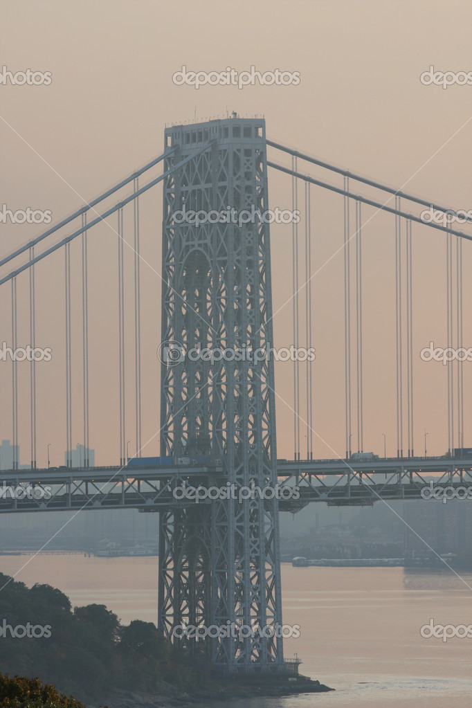 View from Washington bridge connecting New York and New Jersey at sunset — Stock Photo #3733653
